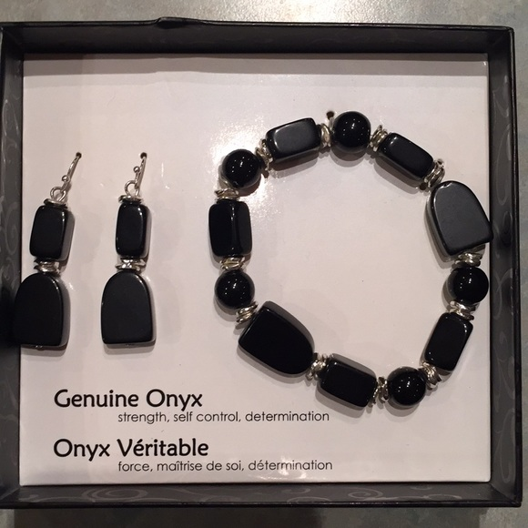 Jewelry - Onyx bracelet and earrings set